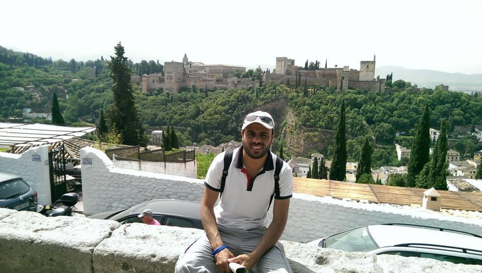 Je suis Youssef je vous aide à monter en compétence en blogging pro pour développer efficacement votre business en ligne